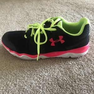 Women's Under Armour MicroG Sneaker size 10.